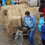 moving_bales_to_site_07_fs